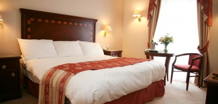 Double bedroom at Manor of Groves